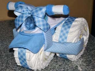 Como fazer bolo de fraldas de triciclo