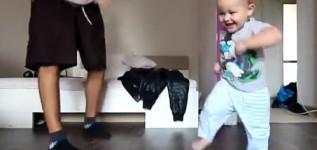 Vídeo – Menino de 2 anos dançando com o papai