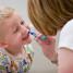 Até quando devo escovar os dentes do meu filho?